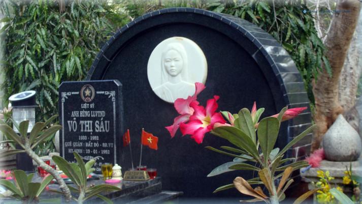 Phần mộ Nữ Anh Hùng Liệt Sỹ Võ Thị Sáu